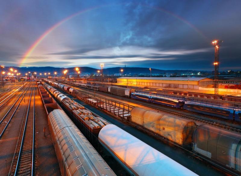 铁路运输.jpg